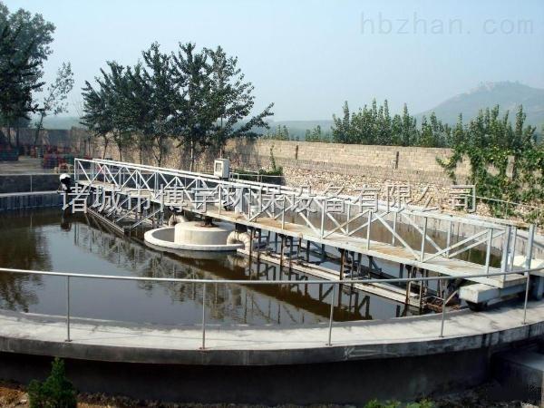 全桥式刮泥机技术