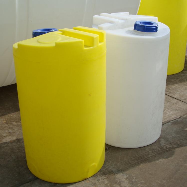 云南1500l塑料加药箱 圆形加药箱搅拌装置